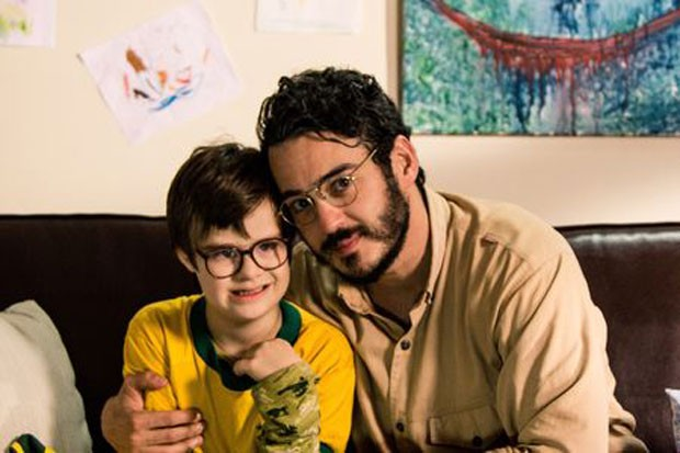 Pedro Vinicius (à esquerda) e Marcos Veras em cena de 'O filho eterno' (Foto: Rosano Mauro/Divulgação)
