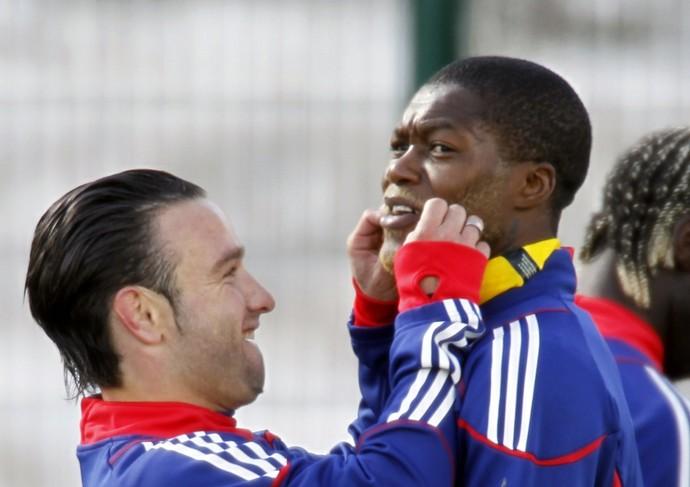 Cisse e Valbuena (Foto: Reuters)