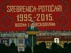 Premiê sérvio deixa memorial de Srebrenica após ataque com pedras