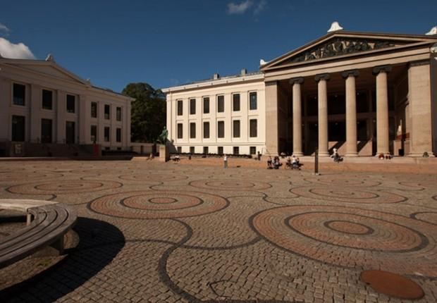 Universidade de Oslo, na Noruega (Foto: Reprodução/Facebook)