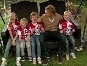 BLOG: Tá em casa: filhos de Kuyt mostram paixão da família pelo Feyenoord