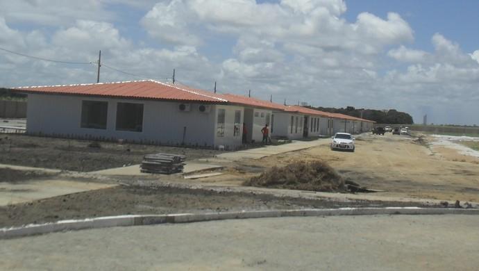 Área interna do Complexo de Treinamentos do CRB, na Barra de São Miguel (Foto: Denison Roma / GloboEsporte.com)