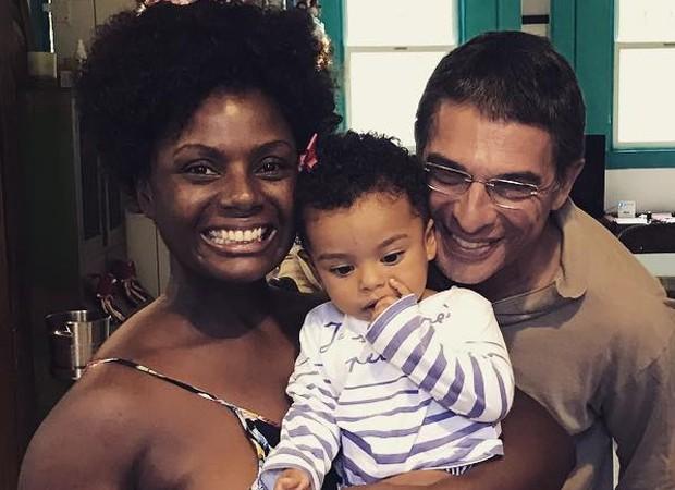 Adriana Alves com Olívia, e o marido, Olivier Anquier  (Foto: Reprodução/Instagram)