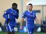 Com Terry e Fàbregas, Chelsea sub-23 vence no fim com dois de Batshuayi