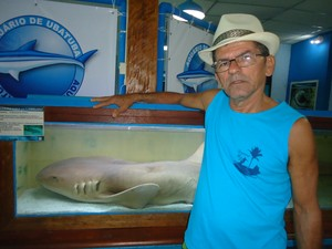 O pescador Gilberto Coelho Santana, resgatado após 10h baiando na lagoa (Foto: Arquivo pessoal)