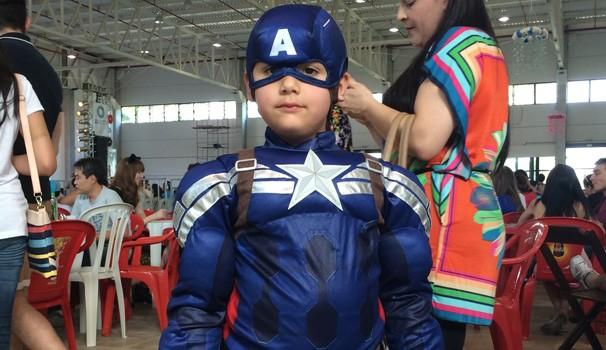 As crianças capricham no cosplay, como esse pequeno Capitão América (Foto: Divulgação/ RPC TV)