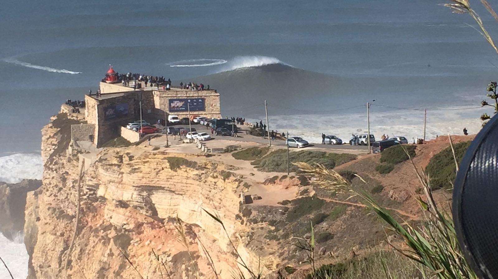 Na nova 'Cilada do Gordo', Brasileiros encararam o desafio de surfar a maior onda do mundo em um big sup (Foto: Canal Off)