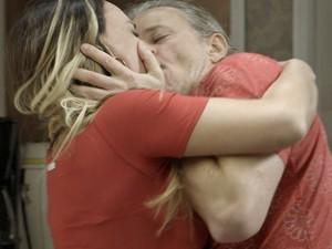 Vavá ataca Janete  (Foto: TV Globo)