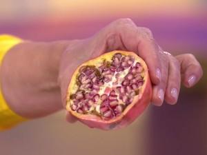 Pesquisa da USP de Piracicaba indicou benefícios da casca da romã na prevenção do Alzheimer (Foto: Reprodução/TV Globo)