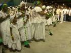 Após lavagem da Sapucaí, Beija-Flor faz último ensaio antes do carnaval