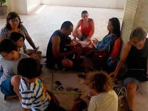 """Meninos e meninas que integram o projeto """"Crianças Hackers"""", em Salvador (Foto: Arquivo Pessoal)"""