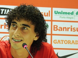 valdivia inter internacional (Foto: Lucas Rizzatti/GloboEsporte.com)