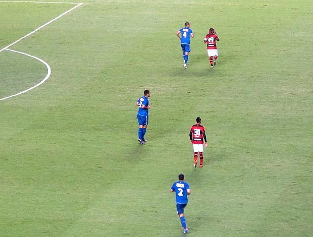 Vagner Love e Liedson no ataque do Flamengo (Foto: Janir Júnior / Globoesporte.com)