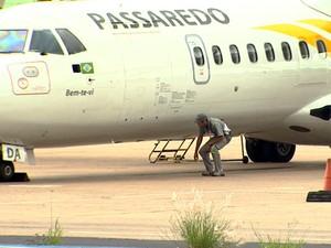 Avião retornou a Ribeirão Preto após meia hora de voo com destino ao Rio de Janeiro (Foto: Valdinei Malaguti/EPTV)