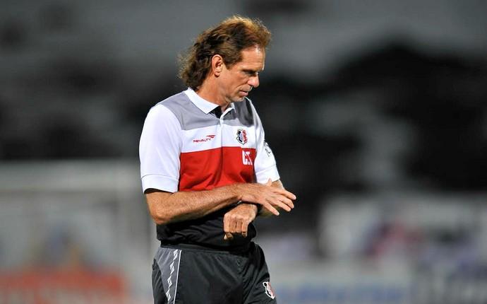 Sérgio Guedes Santa cruz x Atlético-GO (Foto: Aldo Carneiro / Pernambuco Press)