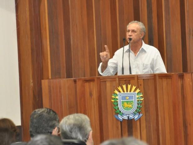 Produtores ocuparam a tribuna da Assembleia para protestar (Foto: Tatiane Queiroz/G1 MS)