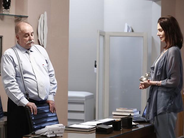 Úrsula suborna médico e pede doença terminal (Foto: TV Globo)