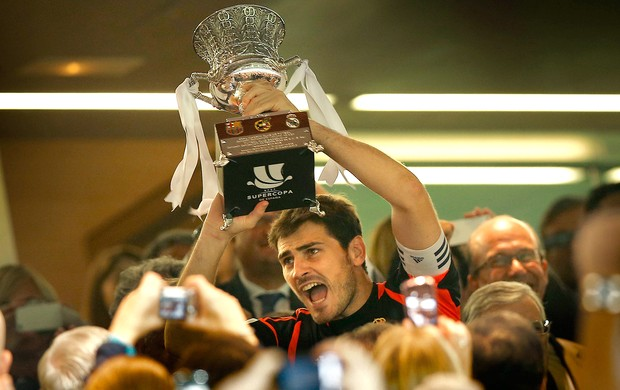 Casillas, Real Madrid, Supercopa (Foto: Agência AP)