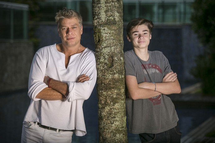 Tímido, o pré-adolescente afirma que ajudou muito ter o pai ao seu lado durante o filme (Foto: Raphael Dias/Gshow)
