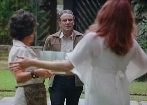 Wilson chega fica chocado com Damáris (Foto: Sangue Bom / TV Globo)