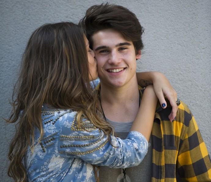 No início da novela, Alina e Rodrigo eram só amor (Foto: Estevam Avellas/Globo)
