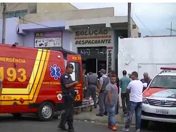 Polícia e Corpo de Bombeiros prestaram atendimento no tiroteio em Campinas  (Foto: Wagner Souza / Reprodução EPTV)