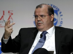 Alexandre Tombini fala durante encontro do FMI, em Lima (Foto: Reuters)