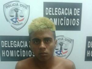 Pedro da Silva Bezerra, de 20 anos, teria disparado acidentalmente, enquanto mostrava a arma para a namorada Ana Beatriz Santos Rodrigues (Foto: Divulgação / DHPP)