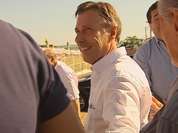 Prefeito Carlos Varasquim registrou durante campanha a criação de fundo para custeio do transporte (Foto: Reprodução/TV TEM)
