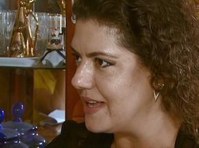 Hellen Falavigna recebeu equipe da EPTV, mas não quis gravar entrevista (Foto: Reprodução EPTV)