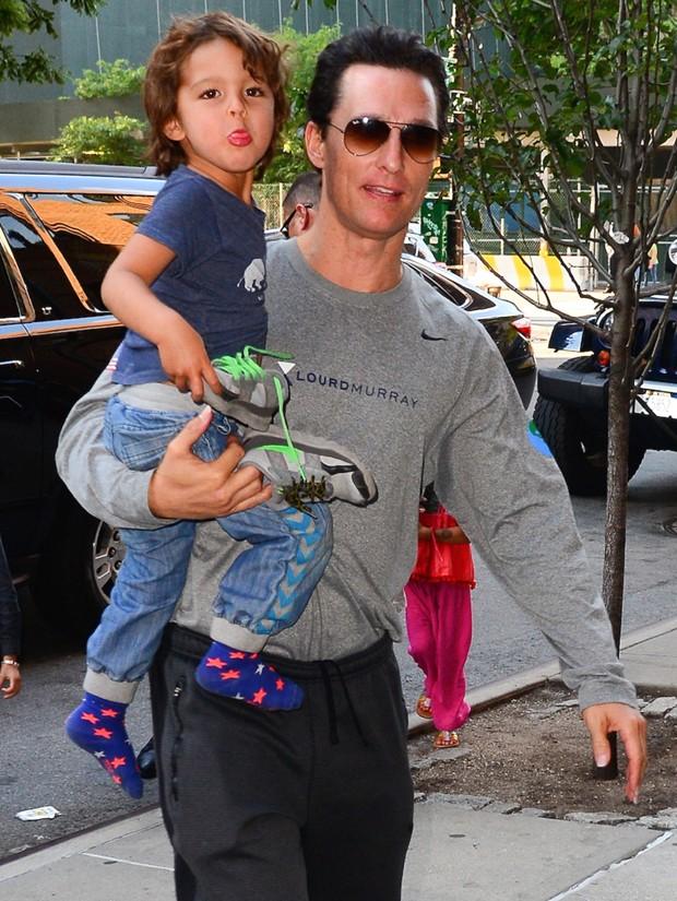 Matthew McConaughey e Livingston (Foto: AKM-GSI)