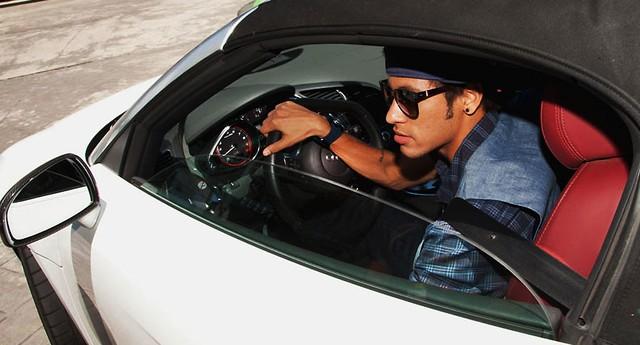 Audi R8 GT Spyder dirigido por Neymar (Foto: Divulgação)