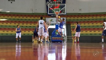 Bauru Basquete começa nova temporada com jogadores jovens