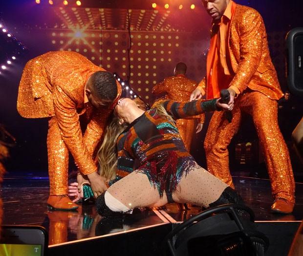 Momento drama de J-Lo (Foto: Grosby Group)
