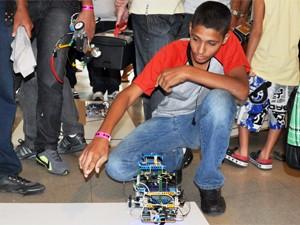 Estudantes participam da VI Olimpíada Brasileira de Robótica em João Pessoa (Foto: Divulgação/Secom-JP)