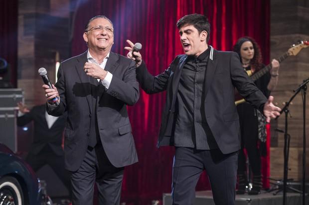 Galvão Bueno e Marcelo Adnet se divertindo no Adnight (Foto: Globo/Estevam Avellar)