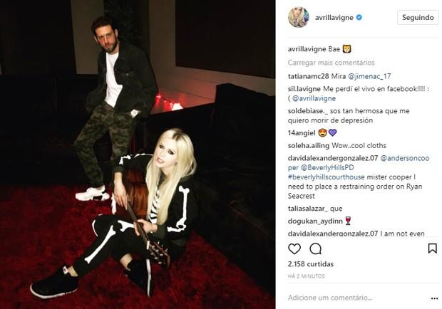 Avril Lavigne e o namorado, J. R. Rotem (Foto: Reprodução/Instagram)