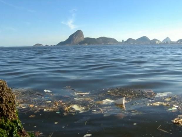 Poluição na Baía de Guanabara (Foto: Reprodução/Globo)