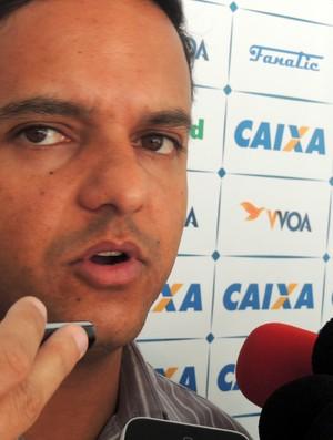 Julio Rondinelli, gerente de futebol do Avaí (Foto: João Lucas Cardoso)