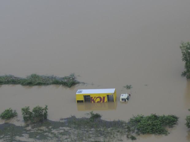 Bairro Pontal das Garças alagado por águas da chuva, em Vila Velha, Espírito Santo. (Foto: Vitor Jubini/ A Gazeta)