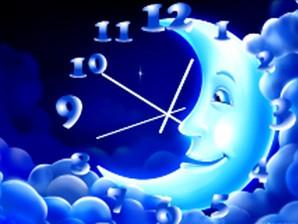Clock15Moon