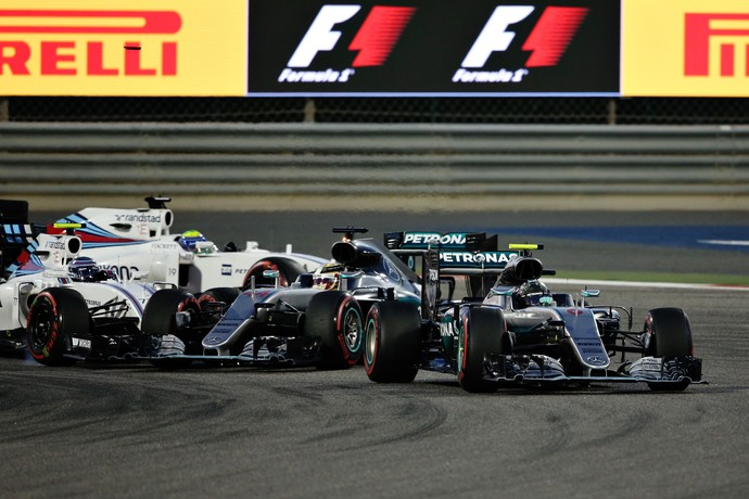 Acidente Hamilton X Bottas GP do Bahrein 2016 Fórmula 1 (Foto: Getty Images)