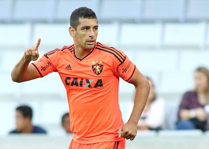 Diego Souza comemora gol do Sport contra o Atlético-PR (Foto: Giulliano Gomes / Agência estado)