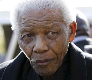 O ex-presidente da África do Sul, Nelson Mandela, em foto e 2010, quando fez uma de suas últimas aparições públicas (Foto: Siphiwe Sibeko/AP)