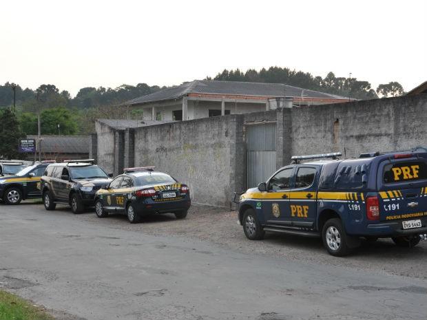 De 10 a 12 suspeitos iam ao local do crime, com divisão de tarefas.  (Foto: Divulgação/Polícia Rodoviária Federal)