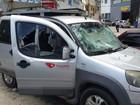 Equipe da TV Gazeta tem carro depredado em protesto em Vitória
