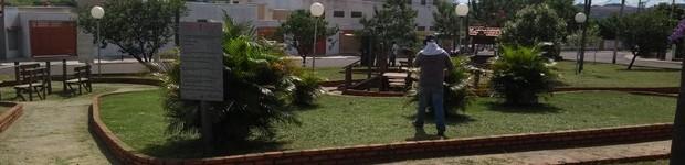 Prefeitura faz limpeza na Praça do Idoso em Agudos (editar título)