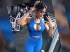 Geisy Arruda posa decotada depois de malhar e confessa: 'Estou acabada'