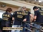 Agentes da PF pedem melhores condições de trabalho em ato no RS