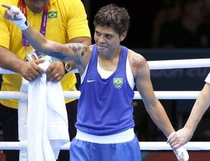 Adriana Araújo na luta de boxe contra Mahjouba Oubtil (Foto: EFE)
